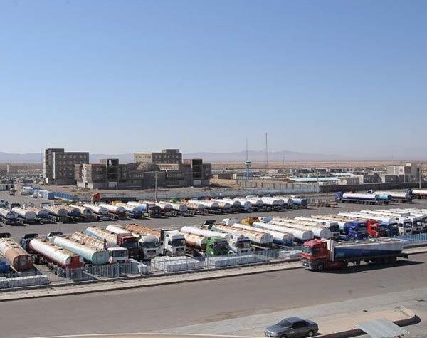 وضعیت مرز تجاری و مسافری مهران در نوروز